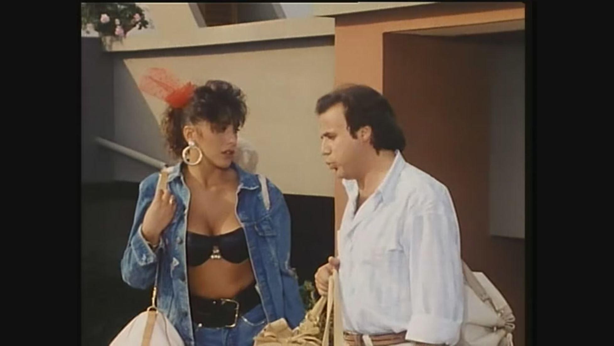 Una magnifica Sabrina Salerno in Professione Vacanze